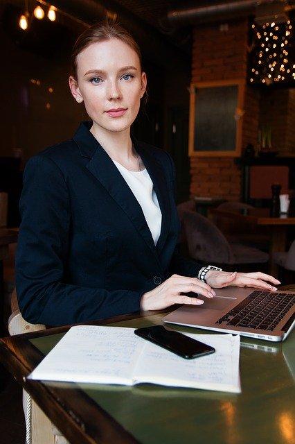 Dlaczego warto korzystać z kursów business english?